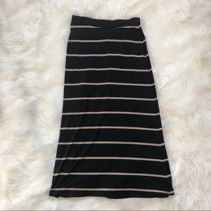 NWOT Black striped maxi skirt